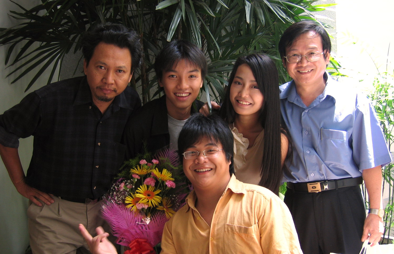 Nguyễn Nhật Ánh đem Kính vạn hoa lên Mực Tím - Thư Quán Đo Đo